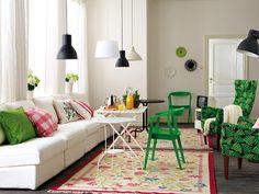 Salón nordic style con piezas vintage, muebles de Ikea