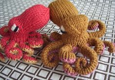 Knit octopus, so cute, I want one.