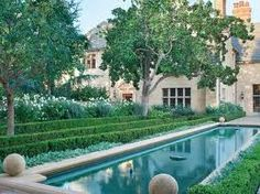 love the garden and water fountain/pool
