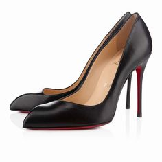 Street Fashion, Runway, Purse, Outfit, Christian Louboutin, Black, Style,  Shopping Spree, Footwear