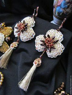 """Купить Серьги """"Цвета Золота и Беж"""" - золотой, серьги с подвесками, серьги с кистями, длинные серьги"""