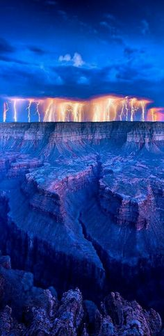 Magnificent Nature / Lightning at Grand Canyon, Arizona, USA Arches Nationalpark, Yellowstone Nationalpark, Dame Nature, Wild Weather, North Cascades, Parcs, Great Smoky Mountains, Best Photographers, Amazing Nature
