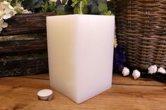 Κεριά μασίφ τετράγωνα σε χρώμα λευκό ΤΧ1320ΧΛΕ. Πλευρά: 13εκ. Ύψος: 20εκ. Pillar Candles, Taper Candles