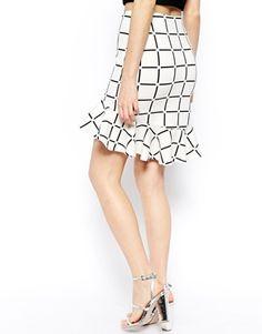 Imagen 2 de Falda de neopreno con sobrefalda en el bajo y estampado a cuadros de ASOS