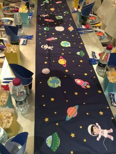 astronauts / space Birthday Party Ideas Photo 1 of 19 Catch My Party Festa Toy Store, Astronaut Party, Astronaut Craft, Outer Space Party, 4th Birthday Parties, Birthday Ideas, Birthday Table, Birthday Celebration, First Birthdays