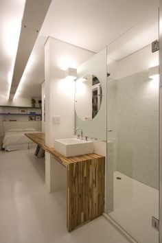 Residence on Paulista Avenue  Piratininga Arquitetos Associados #bathroom