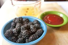 2013-07-11-blackberry-bbq-sauce-rawberries_580