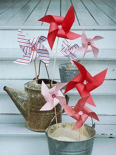 Pinwheels and metal buckets. Swoon. #4thofjuly #bhg
