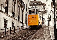 Lisboa, Portugal.   Photo by @crispascua