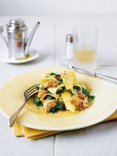 An open lasagne is a classy recipe and this one is brimming with Italian flavours of chicken, sorrel and cream. Use our home-made pasta recipe for a really special dish.