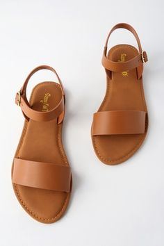 Taryn Tan Flat Sandals - Sandals Shoes - Ideas of Sandals Shoes - Take the Taryn Tan Flat Sandals wherever your adventures lead you! These perfectly simple sandals have a wide vegan leather toe strap and quarter strap with gold buckle. Tan Flats, Shoes Flats Sandals, Cute Sandals, Cute Shoes, Me Too Shoes, Shoe Boots, Tan Sandals Outfit, Calf Boots, Brown Sandals