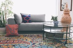 colorful rug. family room