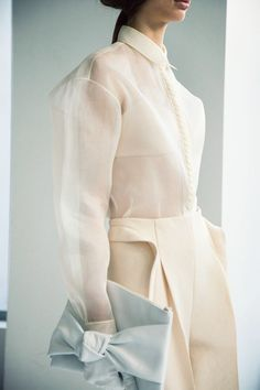 DELPOZO Spring / Summer 2014 collection shown at New York Fashion Week Ann Street Studio. Fashion Details, Love Fashion, High Fashion, Fashion Show, Fashion Design, Nail Fashion, Fashion Brand, Style Fashion, Look Urban Chic