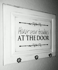 ⚜️Upcycling Hang your troubles at the door Rustic Decor in an Urban World Article Body: The world of Cabinet Door Crafts, Diy Cabinet Doors, Cupboard Doors Makeover, Muebles Shabby Chic, Do It Yourself Furniture, Old Cabinets, The Doors, Diy Door, Repurposed Furniture