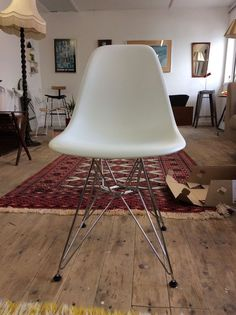 Brand new unused VITRA White Eiffel DSR chair Charles and Ray Eames white chrome