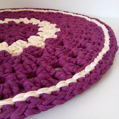Связанный трикотажный коврик