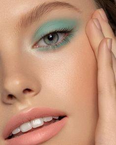 Sara Hill — mint What is Makeup ? What's Makeup ? In general, what is makeup ? Makeup Goals, Makeup Inspo, Makeup Art, Makeup Inspiration, Hair Makeup, Makeup Quiz, Makeup Meme, Makeup Ideas, Makeup Tips