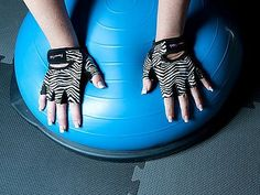 UMMM NEED THESE! Def. going to be next pair of lifting gloves <3