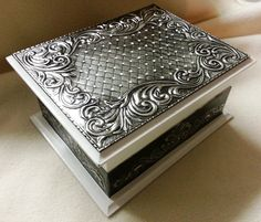 Memory Box commissioned by Bonnie. Metal Projects, Metal Crafts, Recycled Crafts, Tin Foil Art, Aluminum Foil Art, Pewter Art, Pewter Metal, Feuille Aluminium Art, Painted Wooden Boxes