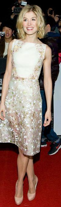 Rosamund Pike in a Giambattista Valli dress- really like this print