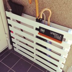 DIY Umbrella Stand with pallets