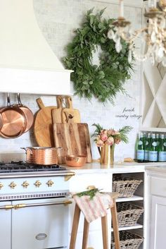 French Country Christmas kitchen: Chrismtas wreaths and decor in the kitchen. : French Country Christmas kitchen: Chrismtas wreaths and decor in the kitchen. French Country Kitchens, French Country Cottage, Farmhouse Style Kitchen, French Country Style, French Country Decorating, Farmhouse Decor, Kitchen Country, Country Cottages, Country Blue