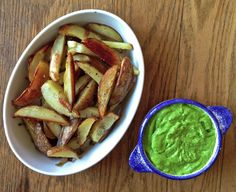 The Perfect Potato Wedges - a healthy option when you're craving fries! Recipes With Yeast, Whole Food Recipes, Cooking Recipes, Deliciously Ella Breakfast, Potato Wedges Recipe, Vegetarian Recipes, Healthy Recipes, Healthy Meals, Potato Dishes