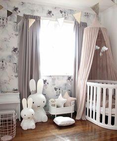 Kinderzimmer Einrichtung Ideen Zum Gestalten Mit Hasen Und Sterne Zwei  Betten Im Babyzimmer Mädchen