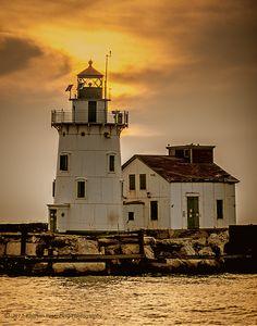#Cleveland Harbor West Breakwall #Lighthouse at #sunset http://photographyunposed.wordpress.com/2012/10/04/some-favorite-sentinels/