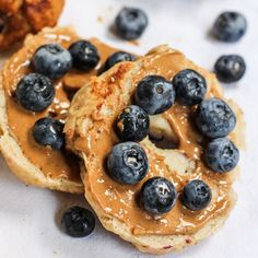 Gluten Free Cinnamon Blueberry Bagels @keyingredient #glutenfree #bread