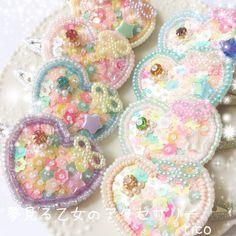 ☆お色で選ぶ☆ゆめかわいい ハートのパッチンピン Diy Resin Crafts, Bead Crafts, Diy And Crafts, Arts And Crafts, Kawaii Diy, Kawaii Jewelry, Resin Charms, Craft Accessories, Scrapbook Paper Crafts