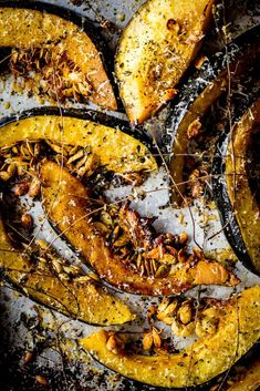 GARLIC PARMESAN ROASTED ACORN SQUASH