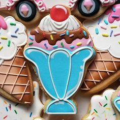 Scoop up some ice cream deliciousness with this dual purpose 5 Ice Cream Sundae / Mermaid cookie cutter, designed by Flour Box Bakery. Ice Cream Cookies, Iced Cookies, Royal Icing Cookies, Fun Cookies, Oatmeal Cookies, Decorated Cookies, Onesie Cookies, Disney Cookies, Cupcake Cookies