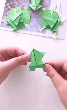 Diy Crafts Hacks, Diy Crafts For Gifts, Easy Diy Crafts, Crafts To Make, Jar Crafts, Instruções Origami, Origami Butterfly, Origami Airplane, Origami Toys