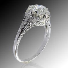 1stdibs.com | 2.37 Carats Art Deco Engagement Ring, Circa 1925