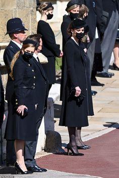 Grand Prince, Princess Beatrice, Princess Kate, Duchess Kate, Duchess Of Cambridge, Prinz Phillip, Princesa Eugenie, Zara Looks, Princesa Kate Middleton