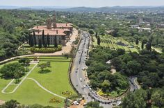 People lining up to bid final farewell to Union Buildings Pretoria, Finals, South Africa, Landscape Photography, Golf Courses, Buildings, People, Scenery Photography, Final Exams