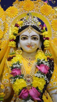 Radha Krishna Temple, Radha Krishna Pictures, Radha Krishna Photo, Krishna Photos, Krishna Art, Radhe Krishna, Lord Shiva Pics, Lord Krishna Images, Baby Ganesha