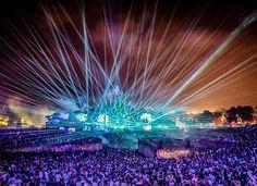 [Fotos] El incendio en el escenario del concierto de música electrónica Tomorrowland  https://link.crwd.fr/hFb