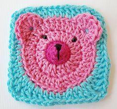 crochet bear in square