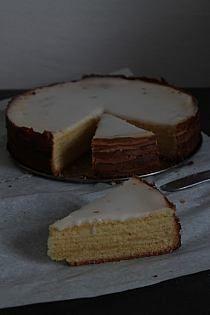 Kakaowe dacquoise z kawowym parfait z białej czekolady… Dacquoise, Parfait, Cheesecake, Pie, Bakken, Torte, Cake, Cheesecakes, Fruit Cakes