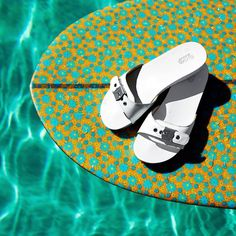 From pool time to a night out on the town, the Original Sandal is fresh, new and incredibly comfortable. #drschollsshoes #originalcollection #sundayfunday #weekends