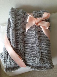 Knitted babyblanket for gift.