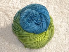 "Hand Dyed yarn Worsted Weight 100 Superwash by mustardseedyarnlab, ""Peacock"""