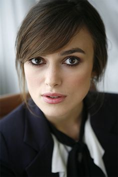 Keira Knightley look alike/ mar Swoop Bangs, Side Bangs, Bangs Sideswept, Long Bangs, Keira Christina Knightley, Keira Knightley Style, Stil Inspiration, Female Actresses, Hair Dos