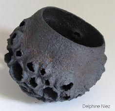 http://www.delphineniez.com/images/ceramics/2006/vsig_images/Bol8-2006_487_474_100.jpg