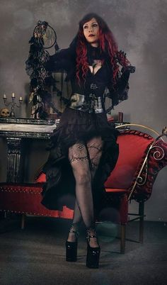 Model Drastique Photo by Nancy Napalm Welcome to Gothic and Amazing | www.gothicandamazing.com