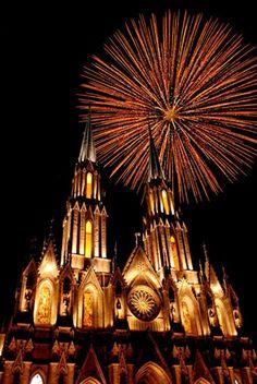Santuario Guadalupano de Zamora, Michoacán - Fiestas del 12 de diciembre de 2012 - Fotografía de Martín Castro Rosas