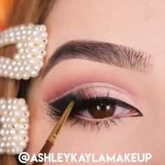 organic makeup prom makeup Egirl glam By: Makeup, Eye Makeup, Eyeshadow Looks. Cool Makeup Looks, Summer Makeup Looks, Natural Makeup Looks, Basic Makeup, Soft Makeup, Beauty Makeup, Eyeshadow Looks, Makeup Eyeshadow, Eyeshadows