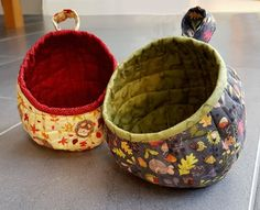 Lucy's Bubble Pods using Autumn in Bluebell wood fabric by Lewis & Irene. Click on the image to order beth's latest pattern.